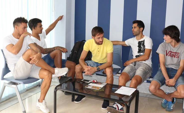 Los jugadores del Real Valladolid pasan la revisión médica