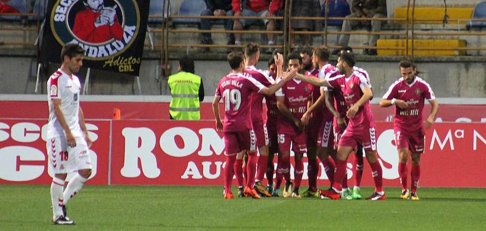 El Real Valladolid golea en León para pasar de ronda en Copa