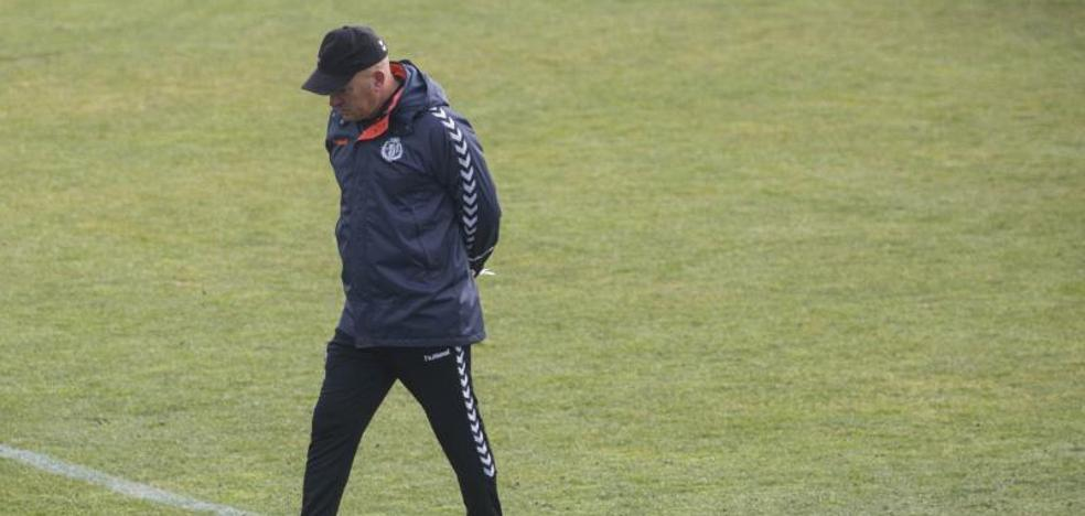 El Real Valladolid sostiene que no echará a Luis César pase lo que pase en Albacete