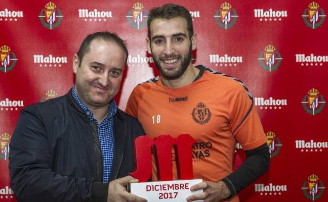 «Si me presento a alcalde, me votan» dice Antoñito al recibir el premio al mejor jugador