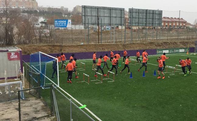 El Real Valladolid vuelve al trabajo bajo la nieve
