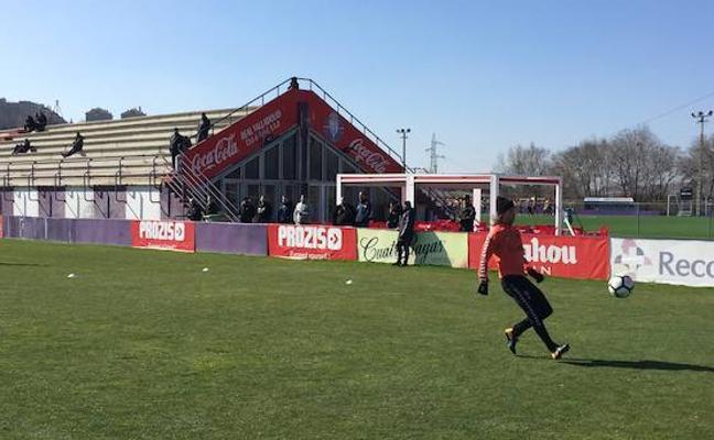 Lukas Rotpuller, protagonista en su primer entrenamiento con el Real Valladolid