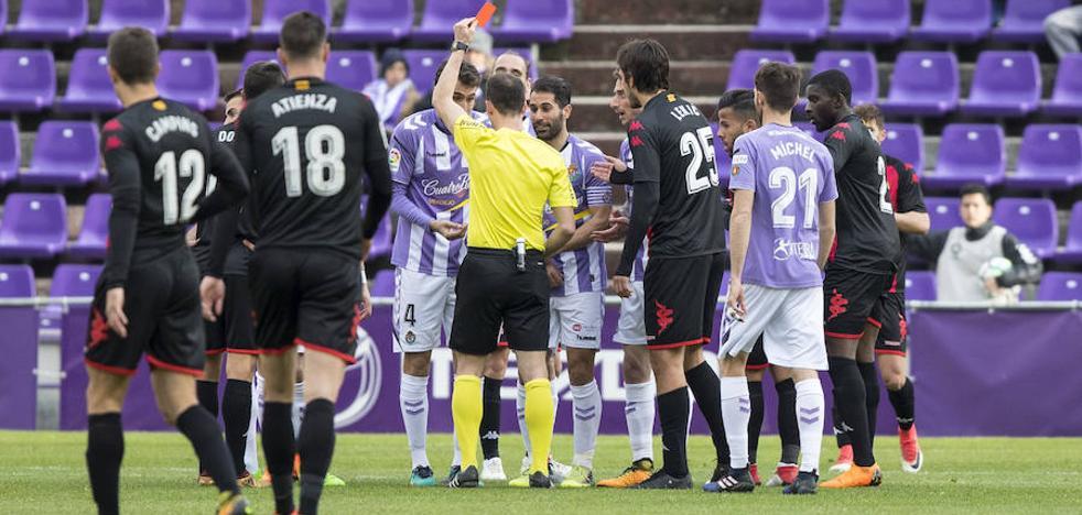 Kiko Olivas tras el Real Valladolid-Reus: «Mi expulsión es muy exagerada»