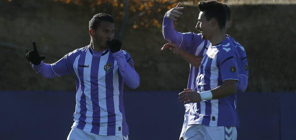 Luis Suárez entrena con el primer equipo ante las bajas del Real Valladolid en ataque