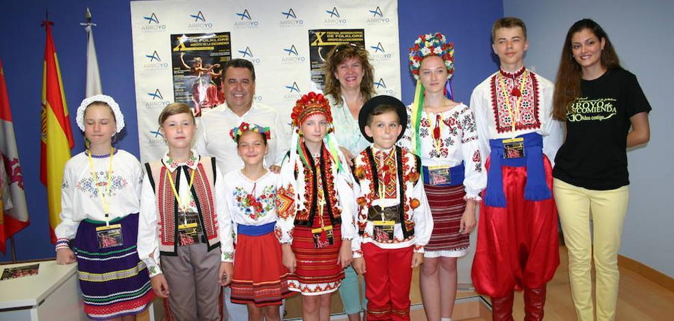 Arroyo acoge el X Festival Internacional de Folklore