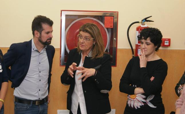 Luis Tudanca reclama a la Junta 100.000 euros para los enfermos de escoliosis