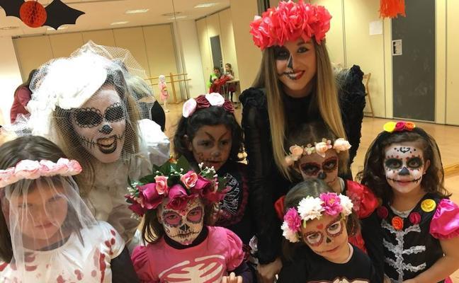 Terrorífico Halloween de la Escuela Municipal de Danza de Arroyo