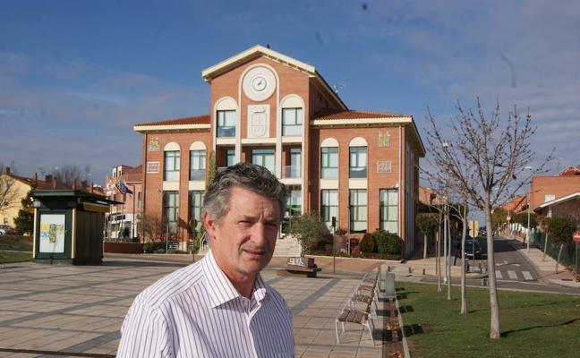 Sarbelio Fernández logra la presidencia de Independientes por Arroyo