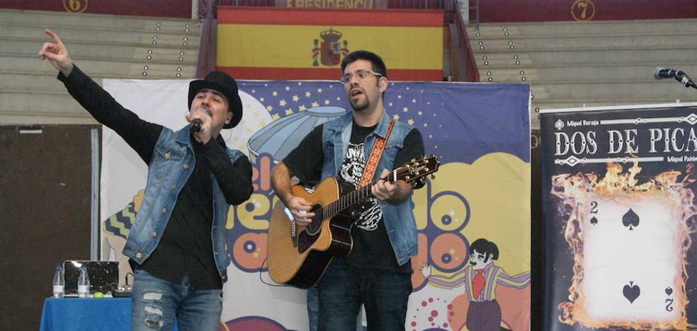 Dos de Picas actúa en Los Conciertos de El Mercado de Arroyo