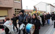 Las Águedas de Arroyo celebran la festividad con misa, procesión y una comida de hermandad
