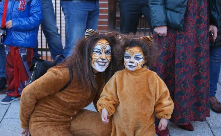 Desfile de disfraces en Arroyo Núcleo Lunes de Carnaval
