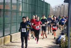 Solidaridad y deporte en la carrera Entreculturas en Arroyo