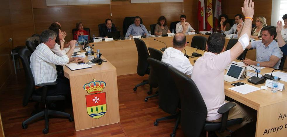 El pleno de Arroyo da cuenta de la reorganización del equipo de gobierno de IPAE