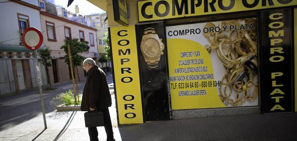 Roba joyas por valor de 3.000 euros en la casa de su expareja