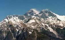 Un montañero es rescatado tras caer mientras saltaba piedras