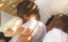 Los Casillas se funden en un abrazo