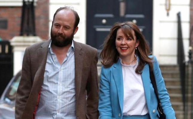 Dimiten los dos jefes de gabinete de May tras el revés electoral