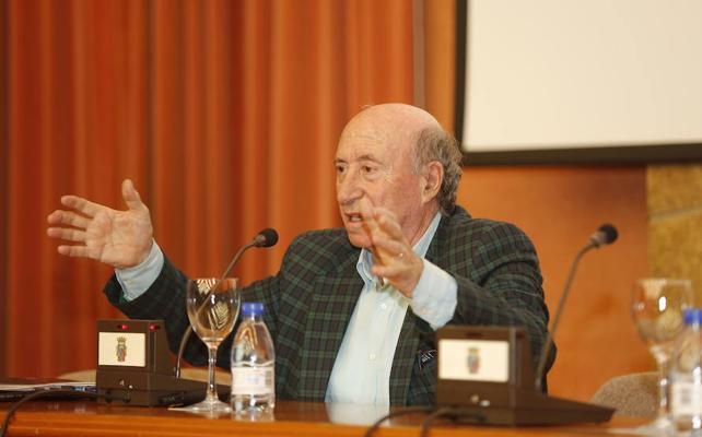 Peridis deja la presidencia de Santa María la Real después de 40 años