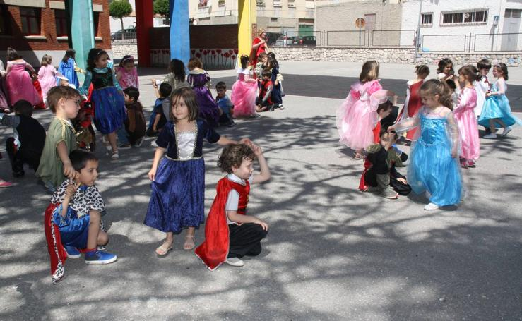 Fiesta medieval en el colegio Santa Clara de Cuéllar (Segovia)