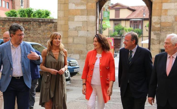 Desayuno digital de Leonoticias.com con la consejera de Turismo