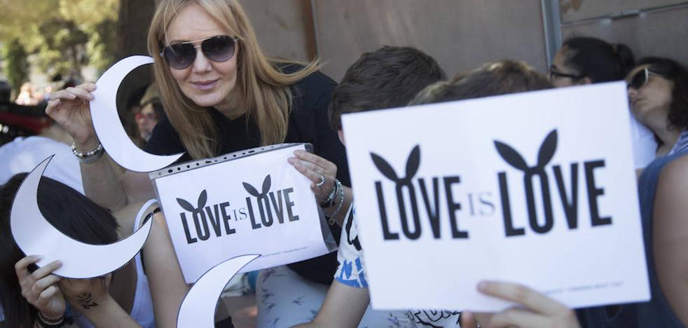 12.000 personas vencen al terror y bailan con Ariana Grande en Barcelona
