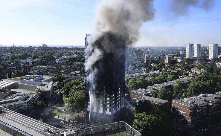 Trágico incendio en un edificio de viviendas de Londres