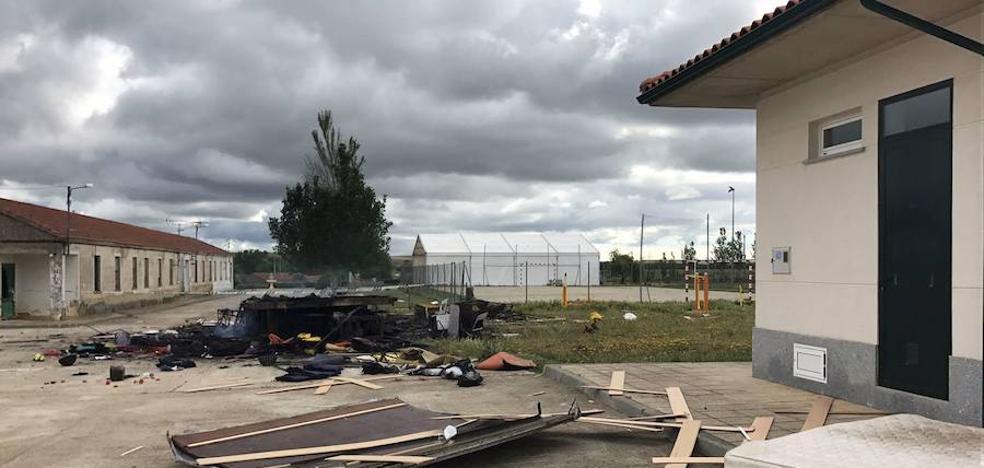 Detenido un hombre por su presunta participación en el incendio de la caseta de feria de Cabrillas