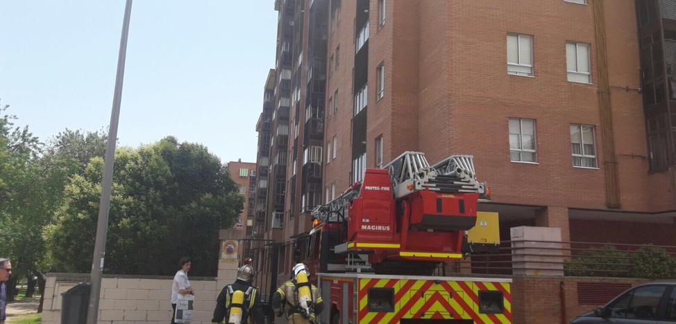 Atendida una mujer de 71 años tras un incendio en una vivienda de Parquesol
