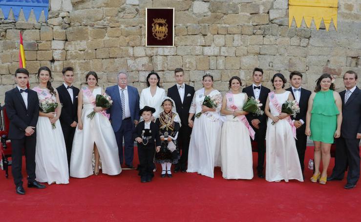 Pregón y coronación de la reina y las damas del Corpus de Ledesma (Salamanca)