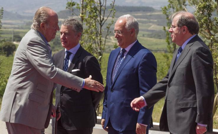 Inauguración de la bodega Vega Sicilia en la localidad alavesa de Samaniego