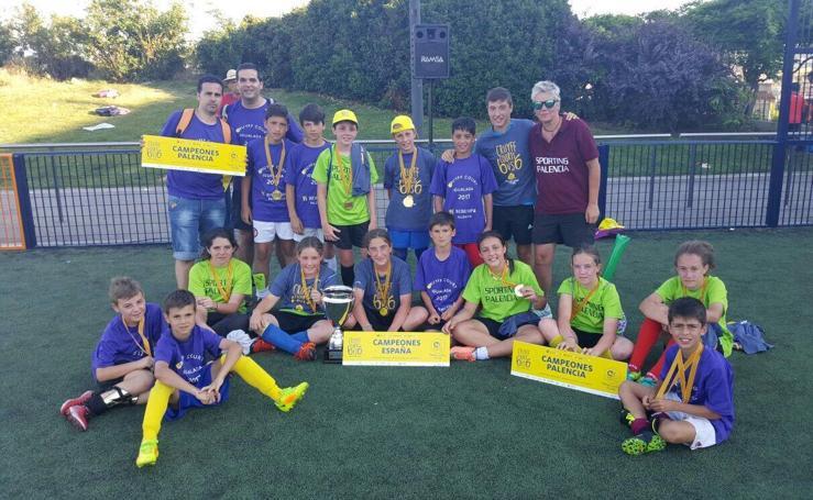 Los equipos palentinos disfrutan de la Copa Cruyff Court