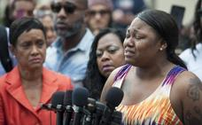 Absuelven al policía que mató a un ciudadano negro en EE UU