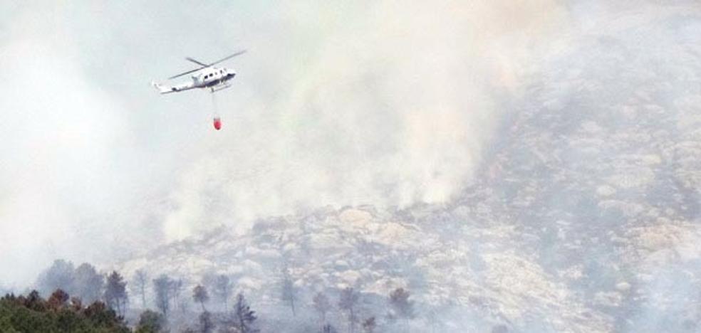 Acusan a la Junta de la gravedad del incendio en El Hornillo