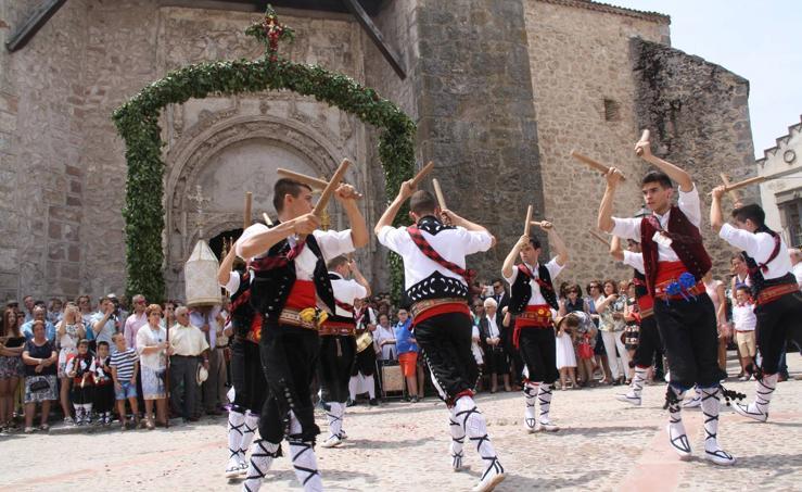 Fiesta de la Octava del Corpus en Fuentepelayo (Segovia)