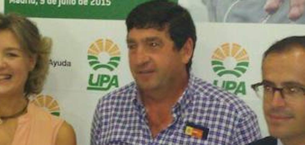 El alcalde de Hoyos del Espino: sueldo de dedicación parcial por jornadas completas