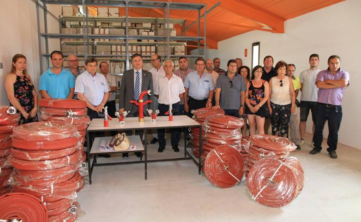 La Diputación de Segovia entrega el material de extinción de incendios