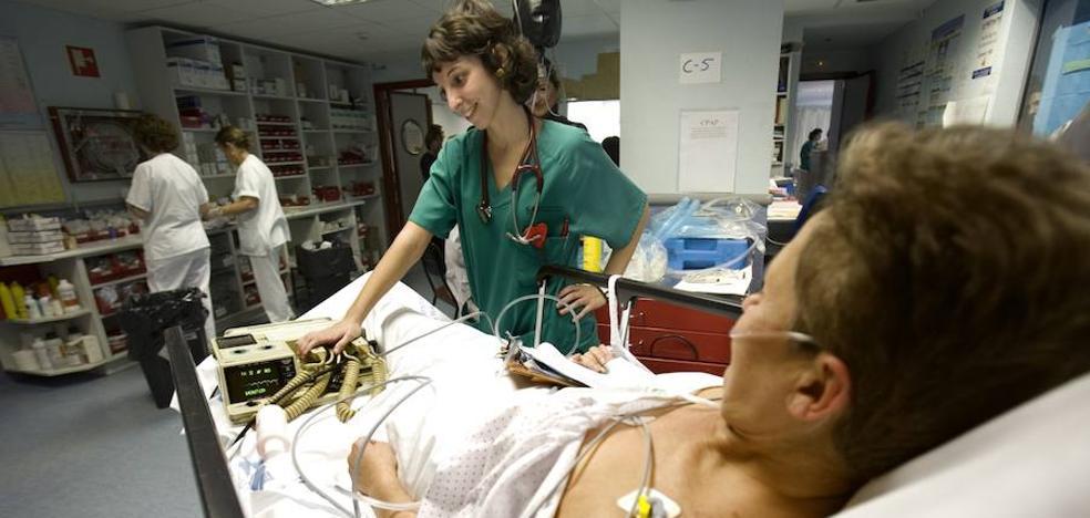 La espera para operarse en la sanidad pública se dispara hasta los 115 días