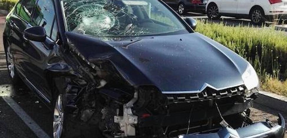 Una mujer resulta herida en un accidente en Juan Carlos I