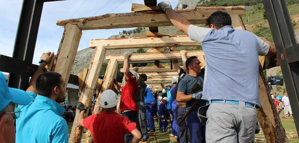 El trabajo del minero torna en espectáculo en Velilla del Río Carrión