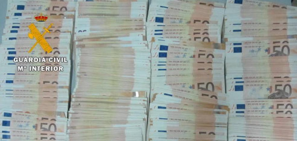 Sorprendido cuando trataba de cruzar la frontera con 24.750 euros sin declarar en Fuentes de Oñoro