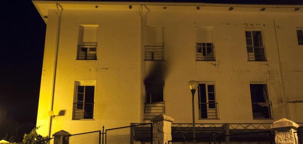 Mueren dos personas en un incendio en una residencia de mayores de Cádiz