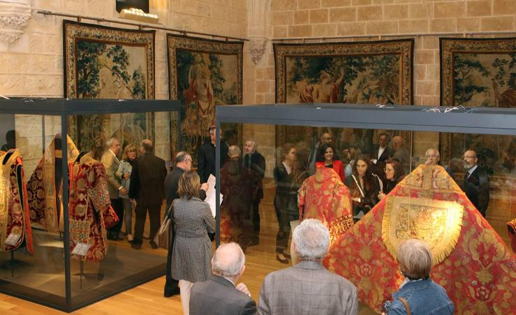 La Catedral de Segovia inaugura la sala 'Tapices y Ornamentos Litúrgicos'