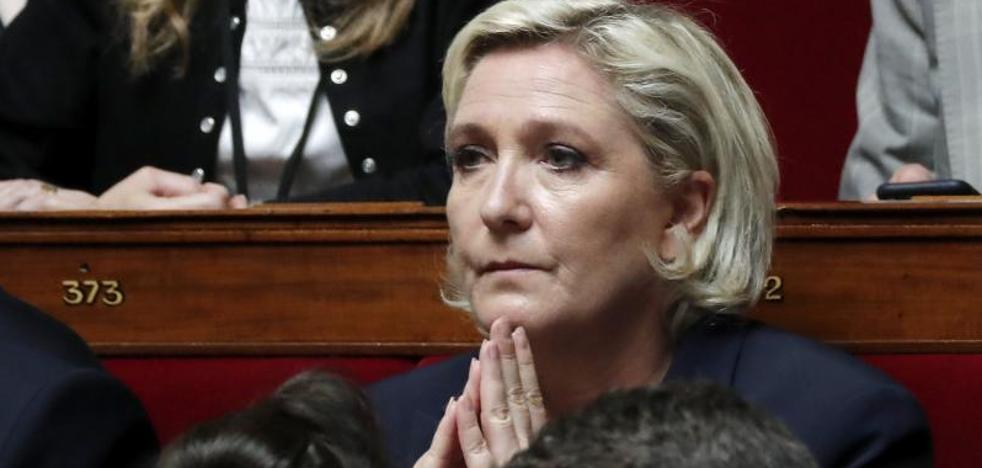 Marine Le Pen, imputada por apropiación indebida