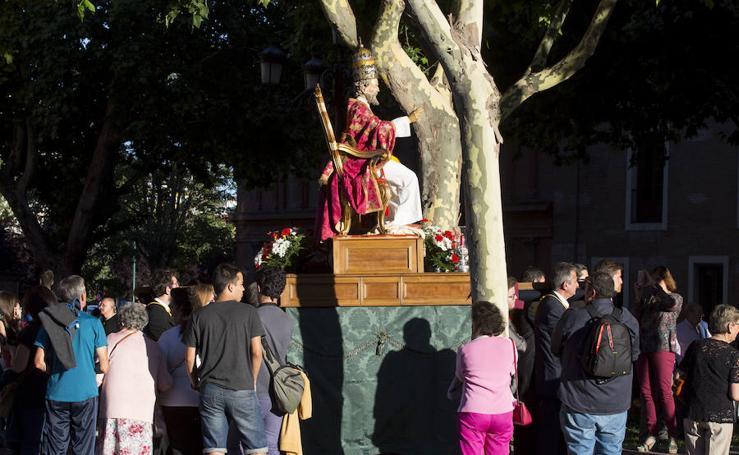 Misa y procesión en honor a San Pedro Apóstol