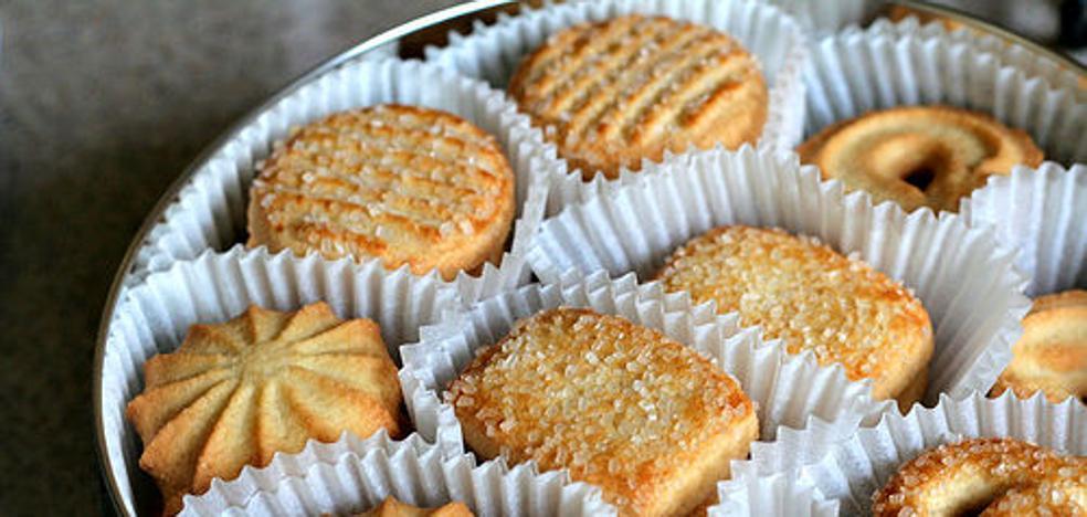Todas las madres del mundo usan la caja de galletas danesas para lo mismo