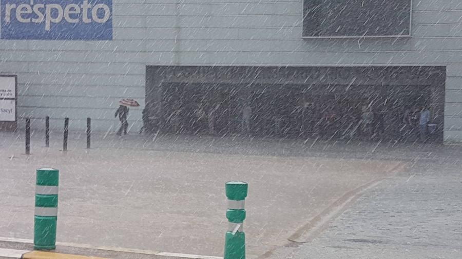 La lluvia hace acto de presencia en Valladolid
