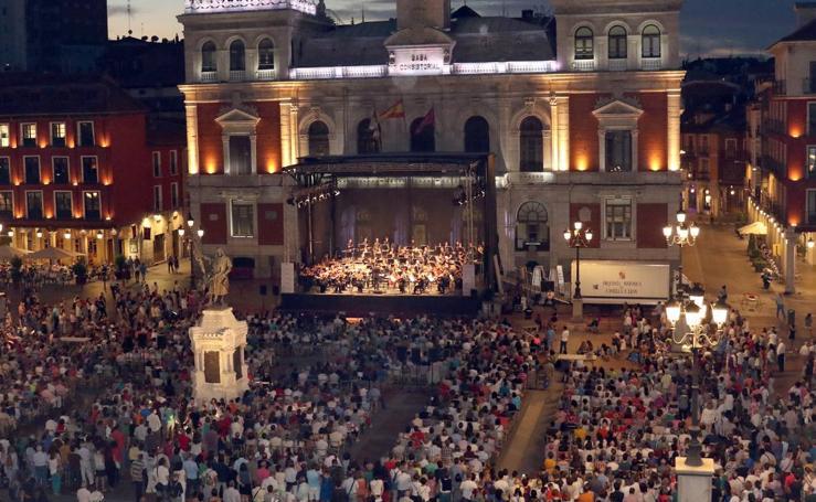 Concierto de la OSCYL en la Plaza Mayor de Valladolid