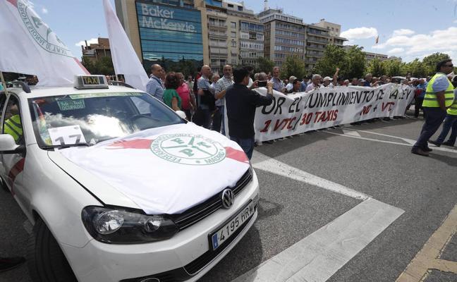 Competencia recurre ante el Supremo el decreto que regula Uber y Cabify