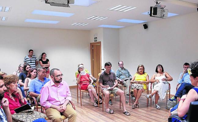 Proponen crear una comisión para mejorar la ordenanza municipal que regula las terrazas