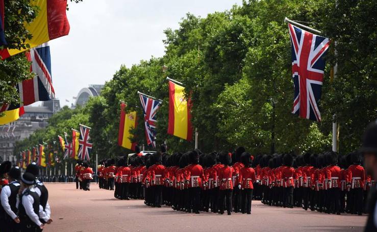 La primera jornada de la visita de los Reyes a Londres, en imágenes